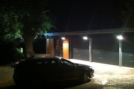 Garage-N-2